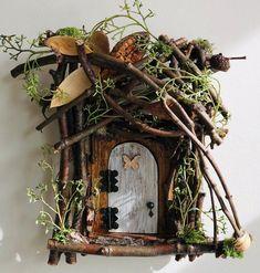 38 Best DIY Fairy Garden Furniture and Accessories Diy Fairy Door, Fairy Garden Doors, Fairy Garden Furniture, Fairy Garden Houses, Fairy Doors On Trees, Fairies Garden, Fairy Gardens, Fairy Crafts, Garden Crafts