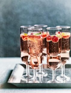 Rosé, raspberry and mint fizz