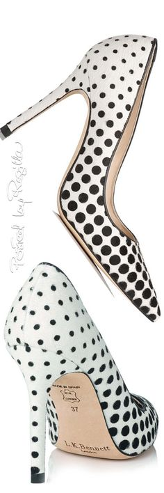 Black and white polka dot pumps Women's Shoes, Zapatos Shoes, Me Too Shoes, Shoe Boots, Pretty Shoes, Beautiful Shoes, Cute Shoes, Jimmy Choo, Polka Dot Shoes