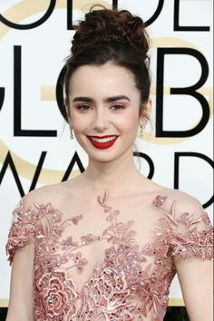 Lily Collins attends the 74th Annual Golden Globe Awards in Beverly Hills http://celebs-life.com/lily-collins-attends-74th-annual-golden-globe-awards-beverly-hills/ #lilycollins