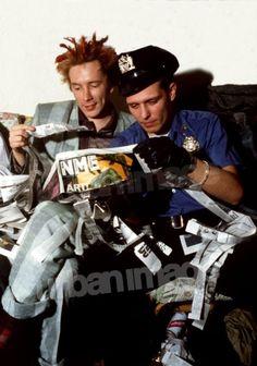 John Lydon and Paul Simonon - Pistols&Clash - another photo -color photo! Photo Rock, God Save The Queen, Paul Simonon, Mick Jones, Johnny Rotten, 70s Punk, Joe Strummer, Music Hits, The New Wave