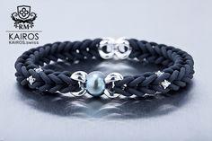 Tahiti pearl bracelet with white Swarovski Zirconia and silver elements. Designer fashion bracelet by KAIROS. Swarovski Bracelet, Pearl Bracelet, Tahiti, Fashion Bracelets, Pearls, Silver, Fashion Design, Jewelry, Armband