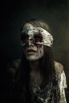 scary halloween makeup for girls