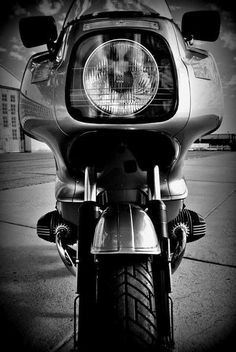 BMW - I love mine - a great rainy day bike! Bike Bmw, Cafe Bike, Bmw Cafe Racer, Racing Motorcycles, Bmw R1200rt, Vintage Bikes, Vintage Motorcycles, Custom Bmw, Bmw Scrambler