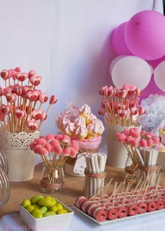 recipe for very simple baked gummy bear cookies ♥ ️ great for … - Süßigkeiten Wedding Candy Table, Candy Bar Party, Baby Shower Deco, Baby Shower Balloons, Fairy Birthday Party, Birthday Parties, Bar A Bonbon, Bear Cookies, Flamingo Birthday