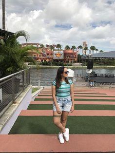 Viajei em junho para Orlando na Flórida, EUA, e uma dúvida que sempre tenho quando vou viajar é o que devo levar de roupa para montar os looks que vou usar. Por issoprocuro saber o clima, a temperatura, se é época de chuva, enfim tudo sobre as condições climáticas do local, no período que estarei …