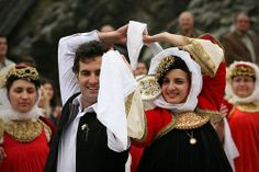 Traditional wedding on Skopelos Greek Traditional Dress, Traditional Wedding, Folk Dance, Corfu, Cyprus, Dance Dresses, Old And New, Greece, Fat