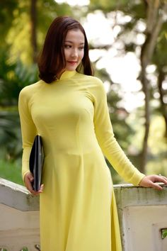 Vietnamese Traditional Dress, Vietnamese Dress, Traditional Dresses, Ao Dai, Asian Woman, Asian Girl, Thai Dress, China Fashion, Beautiful Asian Women