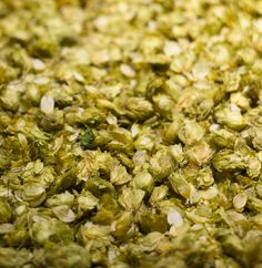 This is an IPA style mead recipe for all you hop-heads out there. Dare I call this mead an IPM? It incorporates light honey and lots of hops! Beer Brewing Kits, Brewing Recipes, Homebrew Recipes, Beer Recipes, Home Brewing, Mead Wine, How To Make Mead, Mead Recipe, Honey Wine