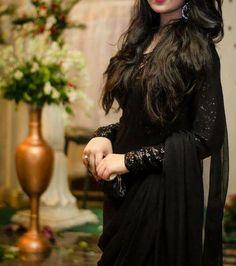 All Black Dresses, Girls Black Dress, Elegant Dresses, Nice Dresses, Stylish Dpz, Stylish Girl, Grey Prom Dress, Salwar Designs, Saree Dress