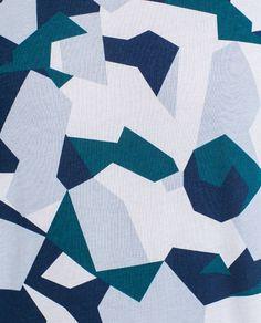 Image 3 de T-SHIRT À IMPRIMÉ CAMOUFLAGE GÉOMÉTRIQUE de Zara