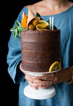 Vegan chocolate orange cake + London vegan supperclub announcement - The Little Plantation Homemade Chocolate, Vegan Chocolate, Chocolate Recipes, Chocolate Cake, Cupcakes, Cupcake Cakes, Sweet Recipes, Vegan Recipes, Vegan Wedding Cake