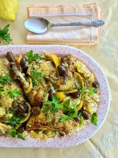 Κοτόπουλο με λεμόνια και ελιές μαροκινό Moroccan Chicken, Lemon Chicken, Curry, Meat, Ethnic Recipes, Food, Greek, Kitchens, Curries