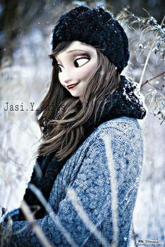 While the coldest winter season, many people love to enjoy their holidays in snowfall with their attractive look. So here are the best Winter Beauty And Winter Photography, Portrait Photography, Fashion Photography, Elsa, Look Fashion, Fashion Beauty, Winter Fashion, Modern Day Disney, Winter Love