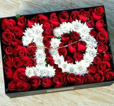 Gift with numbers Balloon Decorations, Flower Decorations, Candy Flowers, Letterpress Business Cards, Flower Letters, Special Flowers, Dyi Crafts, Flower Boxes, Bouquets
