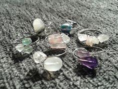 Simple gemstone memory wire rings Memory Wire Rings, Memory Wire Jewelry, Memory Wire Bracelets, Clay Jewelry, Jewelry Crafts, Jewelry Rings, Handmade Jewelry, How To Make Rings, Diy Rings