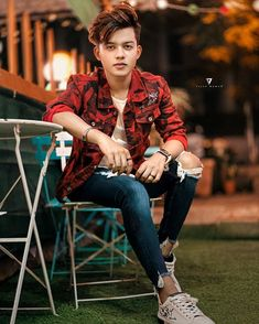 Siddharth Nigam, Faisu, Riyaz Aly, Awez Darbar: Who brings a spark to casual style? Photo Pose For Man, Stylish Photo Pose, Cute Boy Photo, Stylish Girls Photos, Stylish Girl Pic, Girl Photo Poses, Girl Photos, Handsome Celebrities, Teen Celebrities