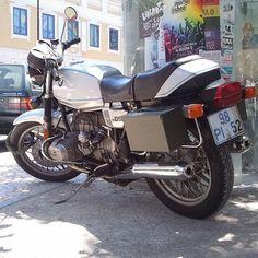 #bmwr65 #bmw #r65 #motorrad #motorcycle #bike #spotted in #lisbon #lisboa #vintagebike #stillrunning #boxertwin #oldtimer #twowheels