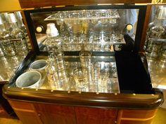 1930s American Art Deco Radio/Bar • RadioBar glasses complete 4