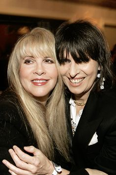 """""""Stevie Chrissie Hynde at Annual Rock and Roll Hall of Fame induction ceremony and after-party, March 2005 """" Chrissie looks so much better w/dark hair! Buckingham Nicks, Lindsey Buckingham, Chrissie Hynde, Stevie Nicks Fleetwood Mac, The Pretenders, Women Of Rock, Janis Joplin, Digital Art Girl, Style And Grace"""