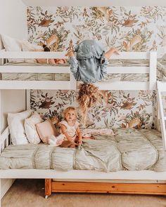 Girls' Room Update -- bunk beds and floral and woodland wall paper Girls Bedroom Decor Little Girl Rooms, Home Design, Design Ideas, Interior Design, Interior Plants, Kids Room Design, Diy Interior, Interior Decorating, Design Inspiration