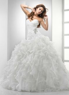 If I ever wanted a poofy, princess wedding gown. This would be it!