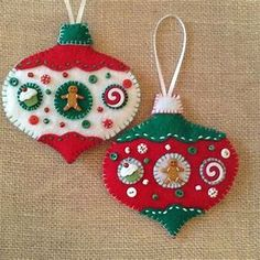 Gingerbread Felt Ornaments / Christmas Tree Ornaments / Xmas Gingerbread Ornaments / Set of 2 / Whimsical Ornaments / Handmade Design Felt Felt Christmas Decorations, Christmas Ornament Crafts, Christmas Sewing, Gingerbread Ornaments, Christmas Crafts, Christmas Gingerbread, Felt Ornaments Patterns, Handmade Ornaments, Handmade Felt