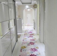 Ev Gezmesi Entryway, Room Decor, Living Room, Interior Design, Bedroom, Rugs, Furniture, Rug Ideas, Kitchen