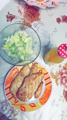 #food #dinner #salad #chickendinner Avocado Toast, Mexican, Salad, Dinner, Breakfast, Ethnic Recipes, Photos, Food, Dining
