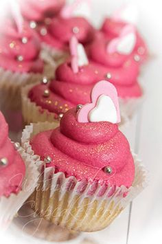 ♡❤ Cupcakes ❤♡ ♥ ❥ Pink Valentines Day Cupcakes