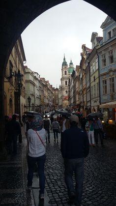 Pelas ruas medievais de Praga | República Tcheca.