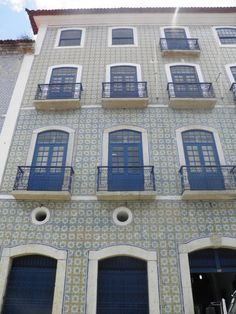 In the historic town of Sao Luis, many buildings and homes exhibit beautiful tile facades in the classic azulejos theme.  São Luís do Maranhão | fachada com azulejos / tiled façade #Azulejo #TiledFaçade #Padrão #Pattern #Brasil #Brazil