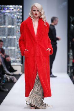 Julia Dilua  #VogueRussia #readytowear #rtw #springsummer2018 #JuliaDilua #VogueCollections