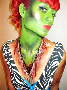 Frackin' LOVE this!!!  I gotta try this out before the zombie apocalypse...   scary zipper decollete halloween make up