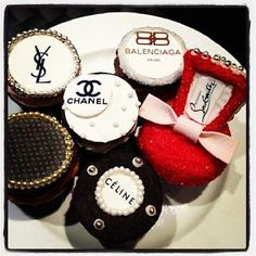 A few of my favorite things.designers and cupcakes! The Coveteur Elegant Cupcakes, Fun Cupcakes, Cupcake Cookies, Cupcake Art, Sugar Cookies, Cupcakes Chanel, Beautiful Cakes, Amazing Cakes, Balenciaga
