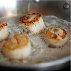 Pan-Seared Scallops with Prosecco Butter Sauce