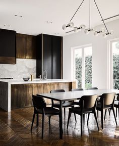 Awesome kitchen decor | Properly arranged dining chairs