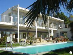 Casa de alquiler de corta estancia en Sitges, Barcelona Sitges, Barcelona, Villa, Outdoor Decor, Home Decor, Home, Vacations, Decoration Home, Room Decor