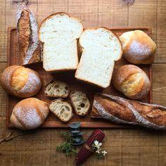 晴れたり曇ったり空も忙しそうだなぁ  本日も11:00am openいたします  ちなみにただいま発酵の季節年間でパンが最もおいしく焼ける時期5月10月を迎えておりますぜひご賞味くださいね by chiestylee http://ift.tt/27rfFLi