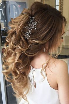 Elvita Luz saved to Wedding blingHalf Up Half Down Wedding Hairstyles Ideas ❤ See more: http://www.weddingforward.com/half-up-half-down-wedding-hairstyles-ideas/ #weddings #weddinghair #weddinghairstyle
