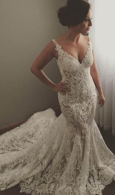 White Lace & V-Neck Wedding Dress