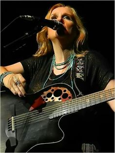 Photo by -Tea Rose of Melissa Etheridge on tour!