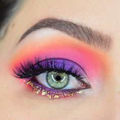 18/100 Viseart Editorial Brights, Suva Beauty, Lit Cosmetics, House of Lashes - Bright Spring Makeup