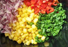 Små, farverige madbrød med majs, ost og purløg - lige til madpakken Baby Food Recipes, Healthy Recipes, Cobb Salad, Bread, Baking, Vegetables, Kitchen, Recipes For Baby Food, Cooking