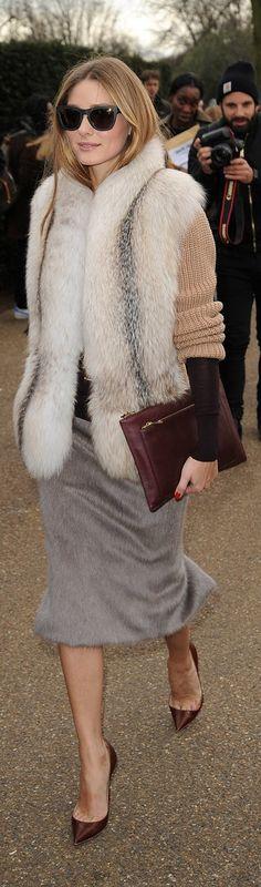 Olivia Palermo cozy street style #dresscast #fashion #womensfashion