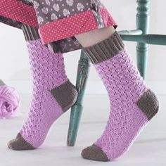 Ohje: Neulotut Vaapukka-sukat - Ilmainen Cool Socks, Awesome Socks, Knitting Socks, Diy, Fashion, Crochet For Kids, Easy Knitting Projects, Tutorials, Knit Socks