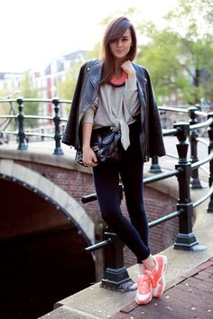 What Wear - Image via: Style Scrapbook - love these air max sneakers - great color- street style fashion inspiration Sporty Chic, Nike Tights, Gala Gonzalez, Style Scrapbook, Emmanuelle Alt, Nike Fashion, Sneakers Fashion, Women's Fashion, Nike Outfits