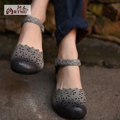 Original 16 New Leather Sandals Women Flowers Shoes Hollow Hasp Comfort Low Shoes