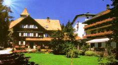 Hotel Czerwenka, www.hotel-czerwenka.upps.at, Sie werden sich wohl fühlen in unserem gemütlichen Familienbetrieb. In zentraler und ruhiger Lage zwischen Wien und Graz, dem Neusiedler See und der Alpenwelt. Führ Ihre geplanten Ausflüge, Wander - und Radtouren können wir Sie vor Ort mit Prospekten und Kartenmaterial bestens beraten. In verkehrsgünstiger Lage, nur 4 km von der A2 Südautobahn entfernt, mit guter Zufahrt, Parkplätzen und Buswaschmöglichkeit direkt beim Hotel.