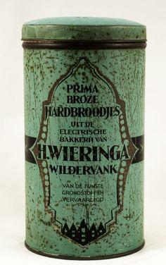 Vintage Wieringa Wildervank cracker tin